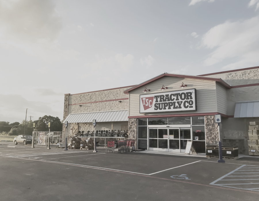 Tractor Supply Co store from net lease